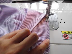 紫ストライプ半袖へ②