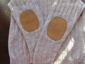 肘当て付きセーター